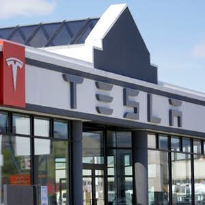 1498172188-Tesla-Challenges.jpg?crop=faces,top&fit=crop&q=35&auto=enhance&w=300&h=300&fm=jpg