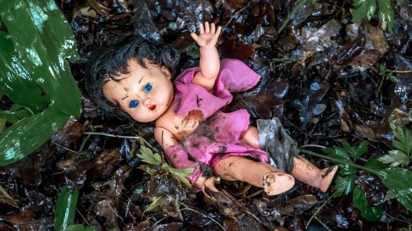 TLMD-muneca-abuso-infantil