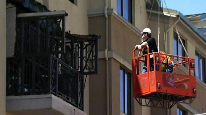 muerte-estudiantes-balcon-berkeley-california