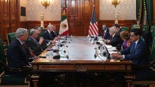 Mesa de conversación entre funcionarios de México, con AMLO a la cabeza, y senadores de Estados Unidos