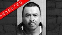Las agencias federales están ofreciendo recompensas por información que conduzca a la detención de estos fugitivos.