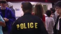 La policía dijo que gracias al aumento de la presencia policial en trenes y estaciones han evitado que crimines violentos aumenten dentro del sistema...