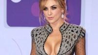 La actriz mexicana volvió a robarse las miradas al desfilar ante las cámaras.
