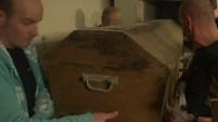 Investigadores creen que hallaron el cajón con los restos del afamado filósofo francés Montaigne. fallecido en 1592.