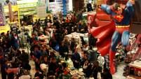 Millones de consumidores ya están aprovechando las tradicionales ofertas en las tiendas y por internet.