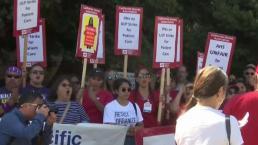 Cientos de enfermeros al este de la Bahía en huelga