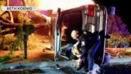 Policía rescata a hombre de carro en llamas en Fremont