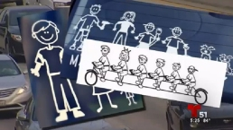 Calcomanías en el auto pueden poner en peligro a la familia