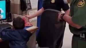 Desgarrador: hallan niño de tres años abandonado en la frontera