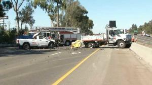 Accidente provoca cierre de carriles de autopista 101 en SJ