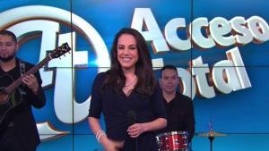 Bárbara Padilla presenta regalo de Juan Gabriel