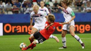 Noruega clasifica tras derrotar 2-1 a Corea del Sur