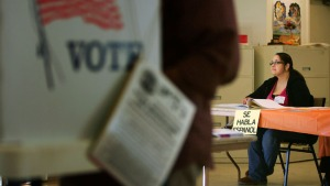 Ordenan modificar Ley de Identificación del Votante de Texas