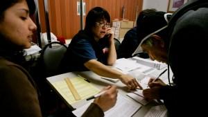 Nuevas leyes dificultan el voto de los hispanos