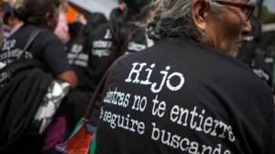 Cierran puente fronterizo en acto por desaparecidos