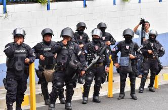 El Salvador: 13 agentes de policía asesinados en 2018
