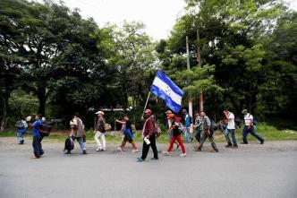 Al menos 300 hondureños inician otra caravana hacia EEUU