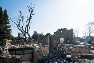 Incendio Kincade quema 77,758 acres, 80% contenido