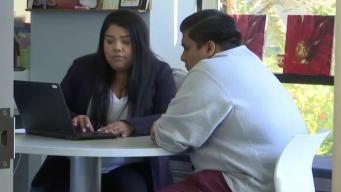 Becas podrían ayudar a reducir préstamos estudiantiles