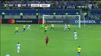 Casi casi es gol...Messi la estrella del palo