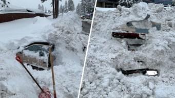 Mujer es rescatada tras quedar sepultada por la nieve