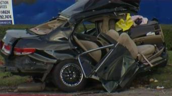 Conductor herido luego de estrellarse contra árbol