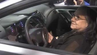Donan auto a sobreviviente del tiroteo en Gilroy