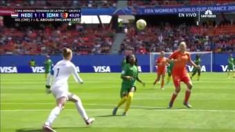 Holanda derrota a Camerun 3-1