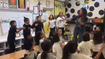 Maestra del este de la Bahía usa forma peculiar para enseñar