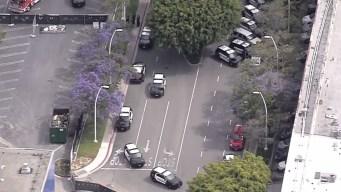 Reportan disparos en centro comercial en California