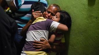 México: el calvario de familiares de muertos en ataque