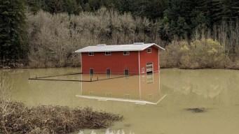 California: se levantan tras inundaciones históricas