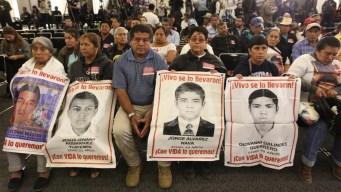 Ayotzinapa: Gobierno va contra funcionarios y jueces