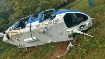 Cae helicóptero y muere piloto; balean a agentes