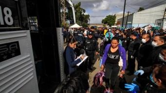 Gobierno busca tomar control de la caravana en Tijuana