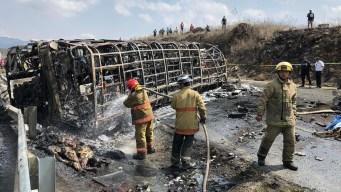 Investigan choque fatal donde murieron 21 peregrinos