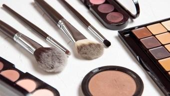 Emiten alerta por mercurio en productos de belleza