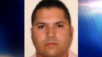 """Ofrecen $5 millones por narcotraficante """"Chapo Isidro"""""""