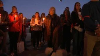 Vigilia en la Bahía por víctimas de masacre en Florida