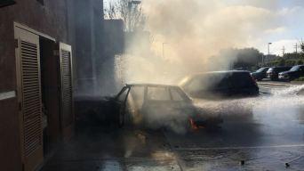Auto se estrella contra panadería en Emeryville