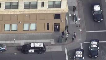 Niño en condición crítica tras caer por escalera en Oakland