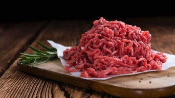 Retiran del mercado 66 toneladas de carne molida por E.Coli