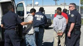 Baten récords arrestos de indocumentados en la frontera