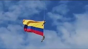 Tragedia en Colombia: caen al vacío en acrobacia aérea