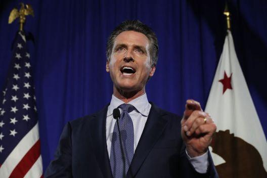 Newsom exige a PG&E pagar por daños luego de apagones
