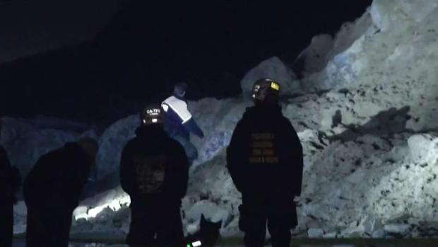 [TLMD - Bahia] Buscan cuerpo enterrado tras deslizamiento en SF