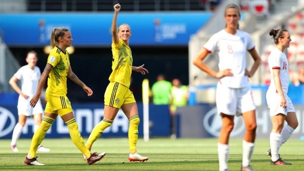 Suecia marca el segundo ante una Inglaterra inconsistente