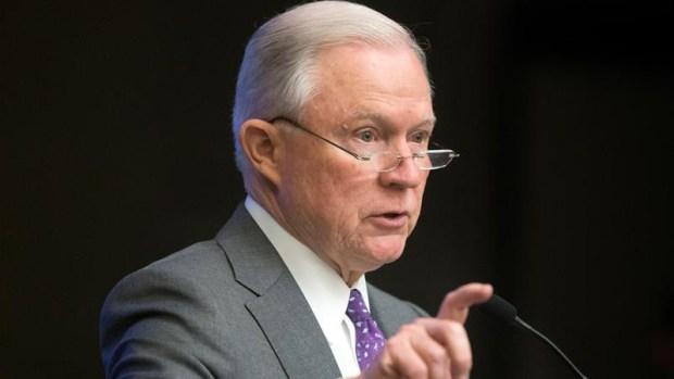 Demandan a fiscal general por restricciones al asilo