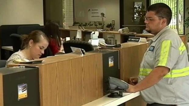 [TLMD - Bahia] Proponen aumento del salario mínimo en Hayward