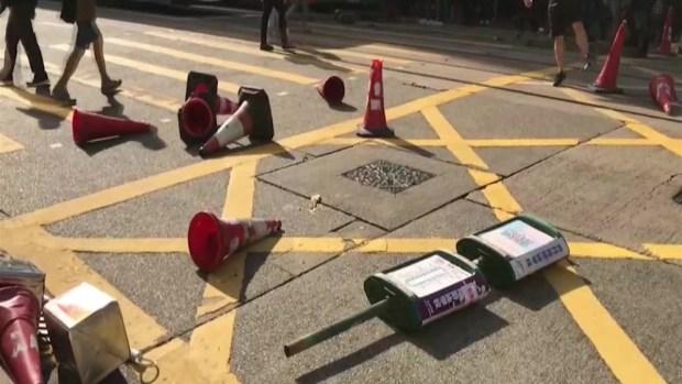 [TLMD - TLMD] Video: policía de Hong Kong le dispara a un manifestante